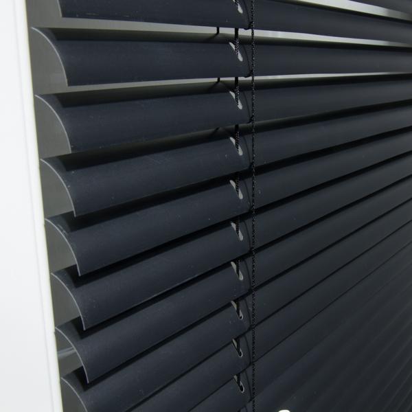jalousien pvc gallery of ft auenrollos rollvorhnge roll up pull out veranda carports fr windows. Black Bedroom Furniture Sets. Home Design Ideas
