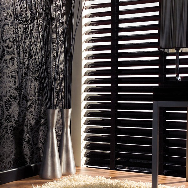 sch ner wohnen alujalousie 50mm schwarz jaromondo shop. Black Bedroom Furniture Sets. Home Design Ideas
